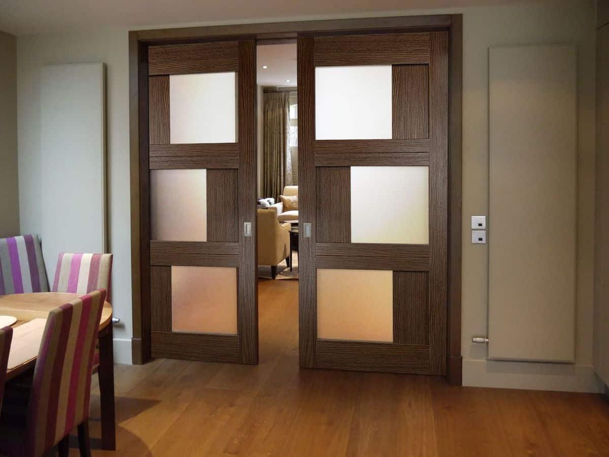 أبواب الزجاج والخشب