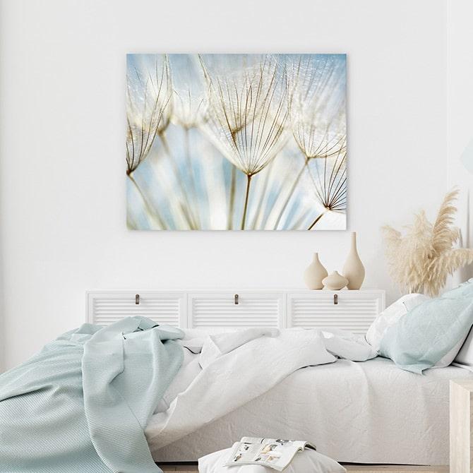 أنواع التابلوهات المناسبة لغرفة المعيشة في ديكورات المنازل