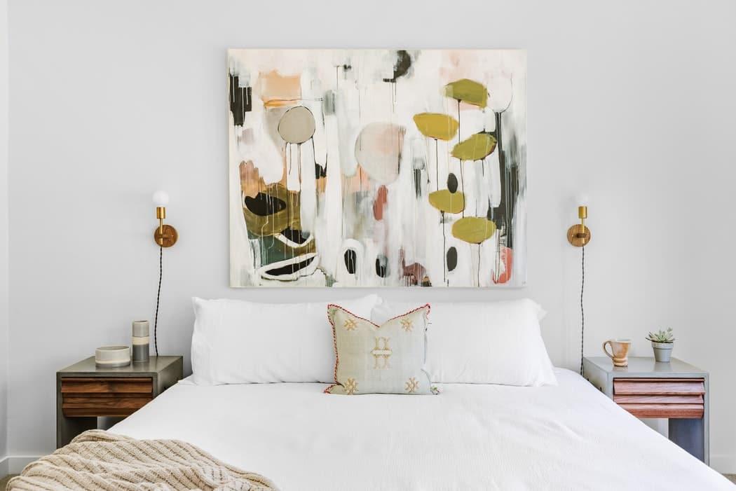 أفكار تجعل من غرفتك العادية غرفة نوم فاخرة