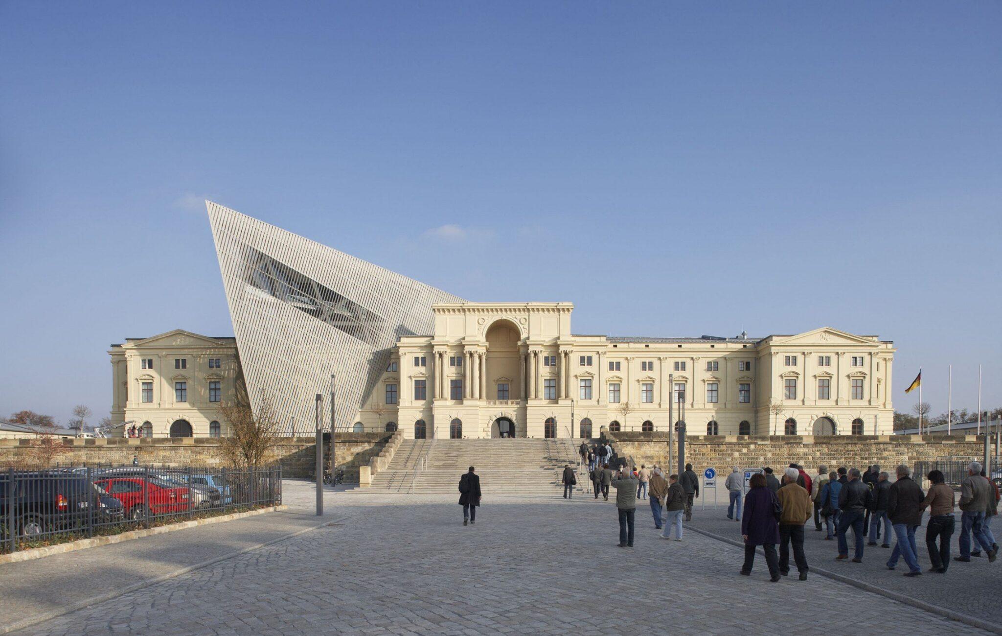 متحف التاريخ العسكري بألمانيا تصميمات المتاحف - معماري
