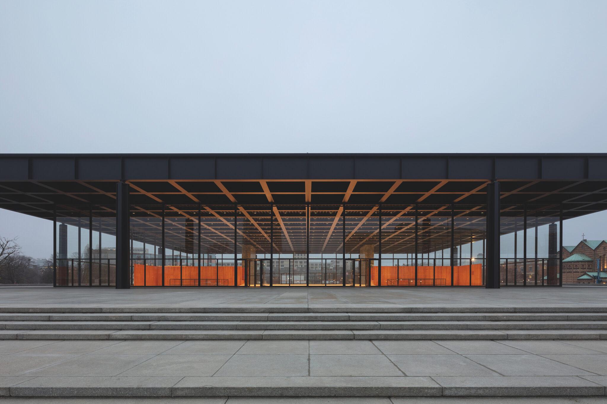 متحف Neue Nationalgalerie في ألمانيا تصميمات المتاحف - معماري