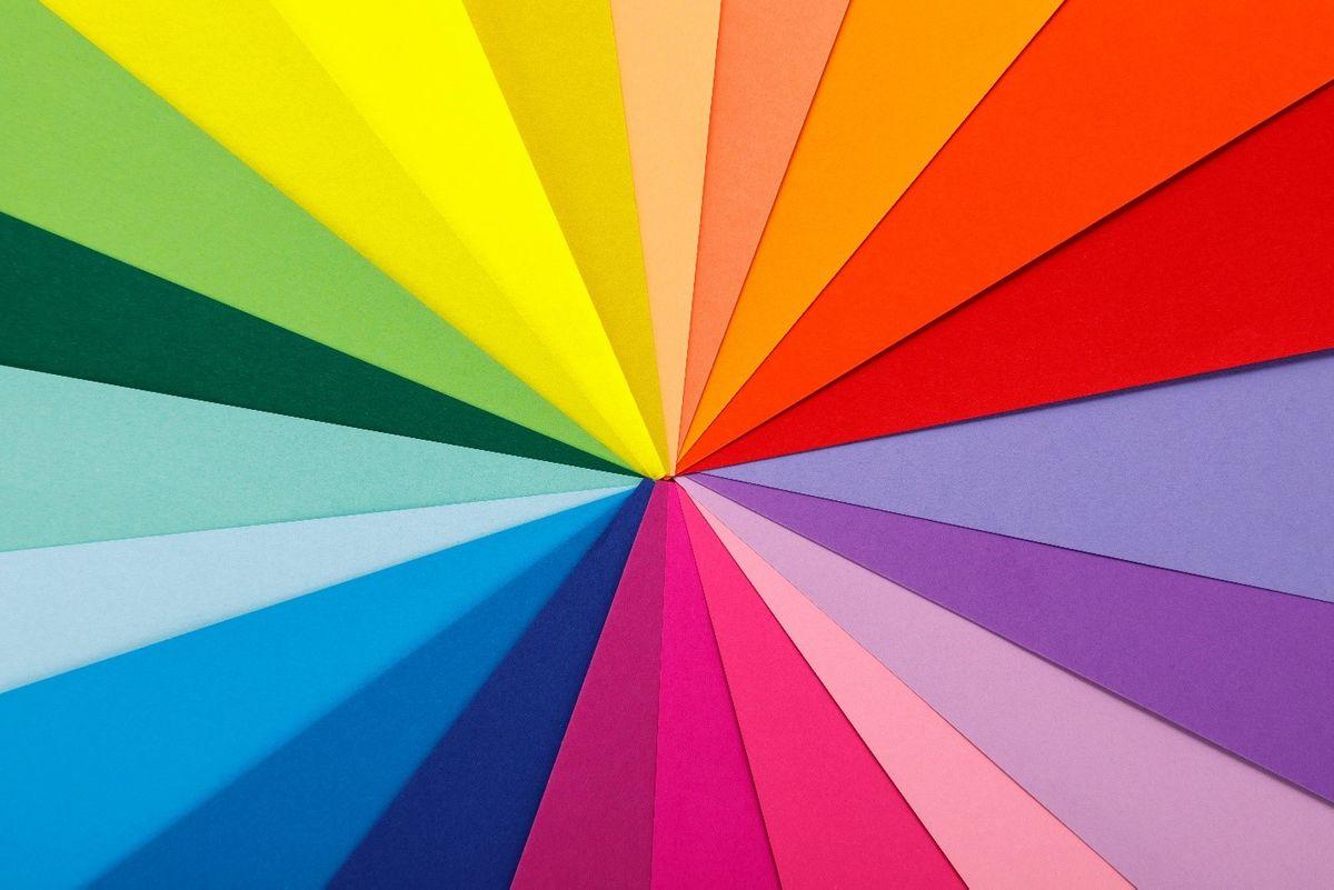 الألوان في العلامات التجارية