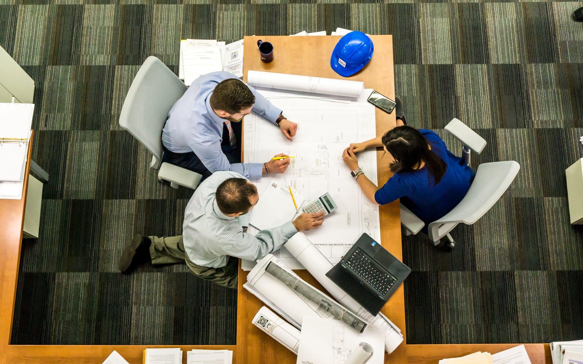 تصميم منزل تعيين فريق العمل كيفية تصميم منزل بنفسك وعبر الإنترنت؟